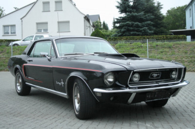ford mustang 68er coupe v8 302 schwarz rot. Black Bedroom Furniture Sets. Home Design Ideas